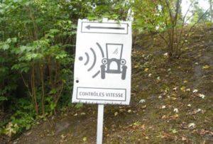 Panneau pour prévenir du danger des radars : la proposition des gaulois…